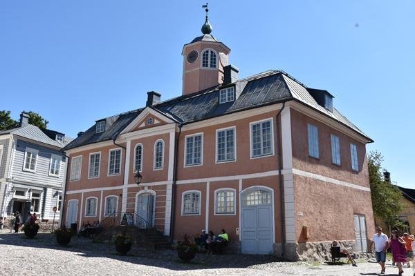 Vanalinn on midagi sellist Haapsalu, Viljandi ja kõigi Lindgreni raamatute taolist